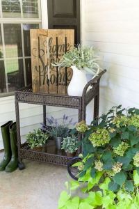 21 Stunning Farmhouse Front Porch Decor Ideas 21