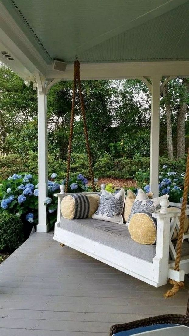 21 Stunning Farmhouse Front Porch Decor Ideas 24