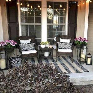 21 Stunning Farmhouse Front Porch Decor Ideas 27