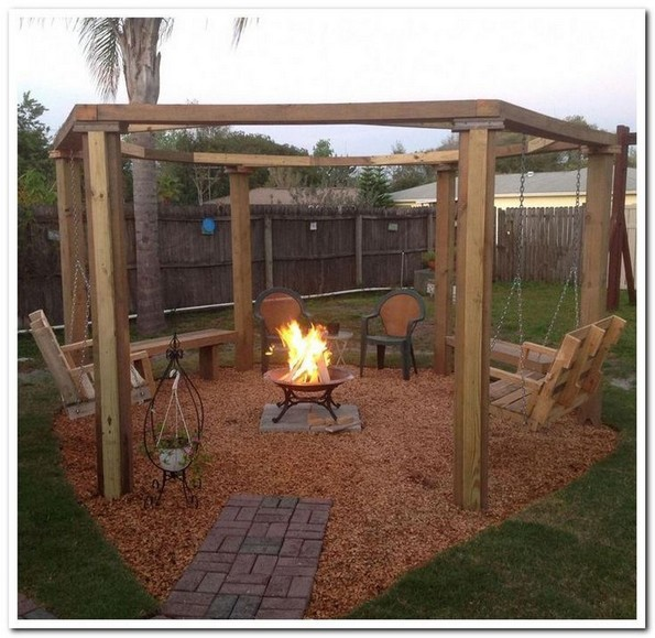 15 Awesome Winter Patio Decorating Ideas With Fire Pit – Making Your Patio Warm And Cozy 16