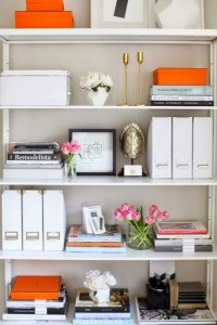 17 Bookshelf Organization Ideas – How To Organize Your Bookshelf 26