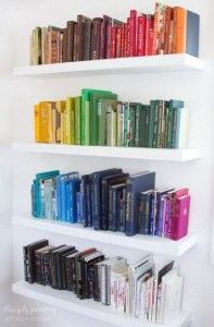 18 Bookshelf Organization Ideas 15