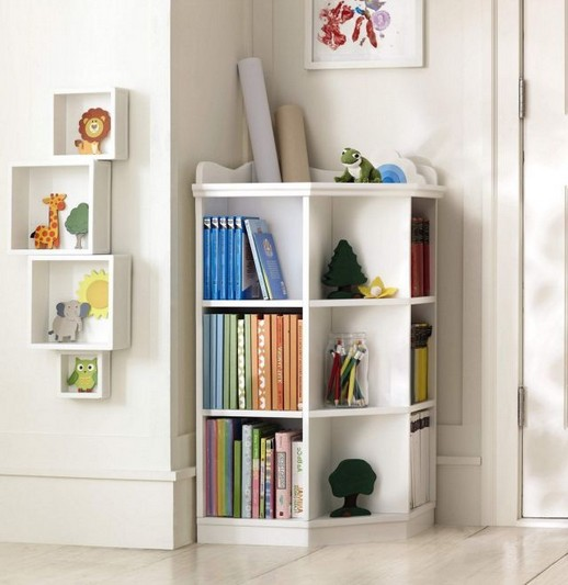 18 Bookshelf Organization Ideas 16