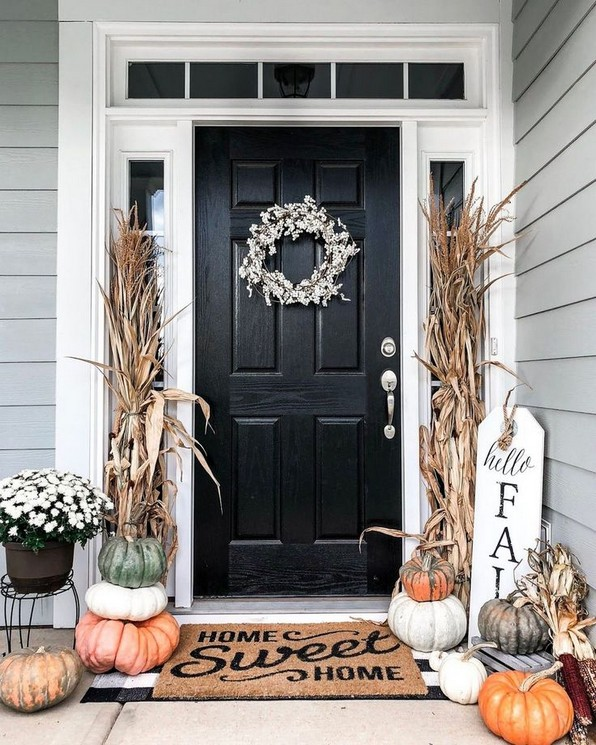 16 Beautiful Farmhouse Front Porches Decorating Ideas 18