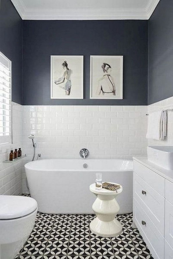17 Awesome Small Bathroom Tile Ideas 03