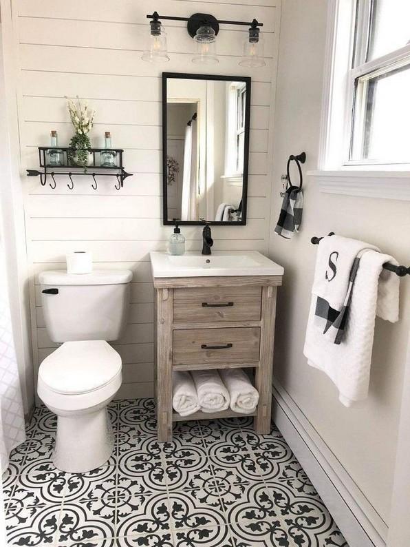 17 Awesome Small Bathroom Tile Ideas 05