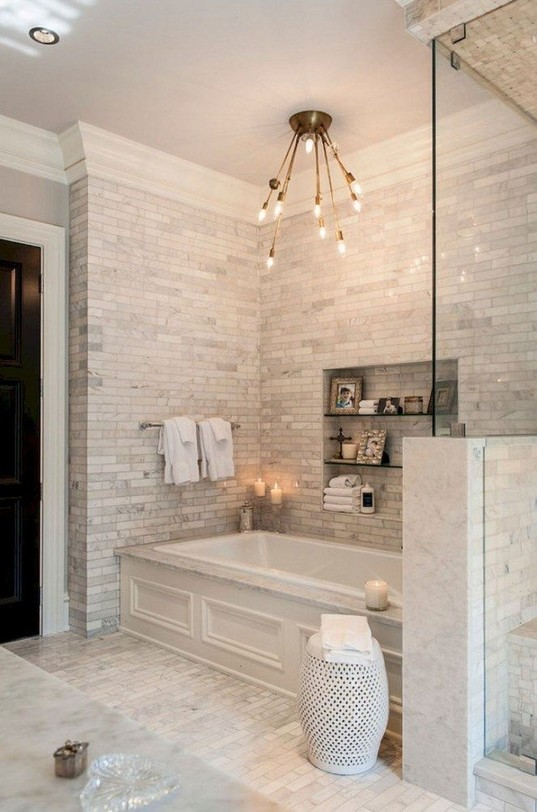 18 Amazing Bathroom Remodel Ideas 01