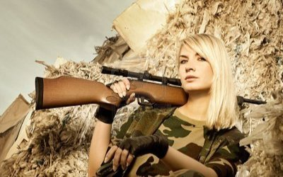 loadout-room-beautiful-woman-soldier-with-a-sniper-rifle