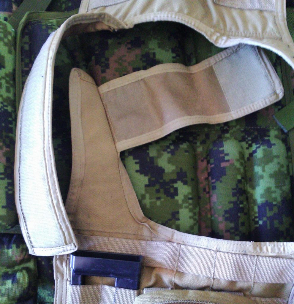 Detail of the shoulder velcro system