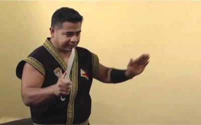 Julius Melegrito Shows You 10 Basic Knife Strikes From the Philippine Martial Arts