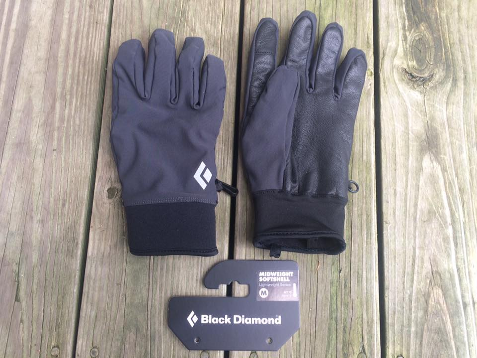 Depending on how serious of an outdoor shooter you are in the colder winter months, you may want to have a few different types of gloves for different temperature variations. For this article we are going to look at a quality glove that will cover the needs of most outdoor shooters and enthusiasts. That glove is the Black Diamond Midweight Softshell. With the Black Diamond Midweight Softshell glove I'm able to get a positive grip on my Glock 17, work the trigger and magazine release with no issues or malfunctions.