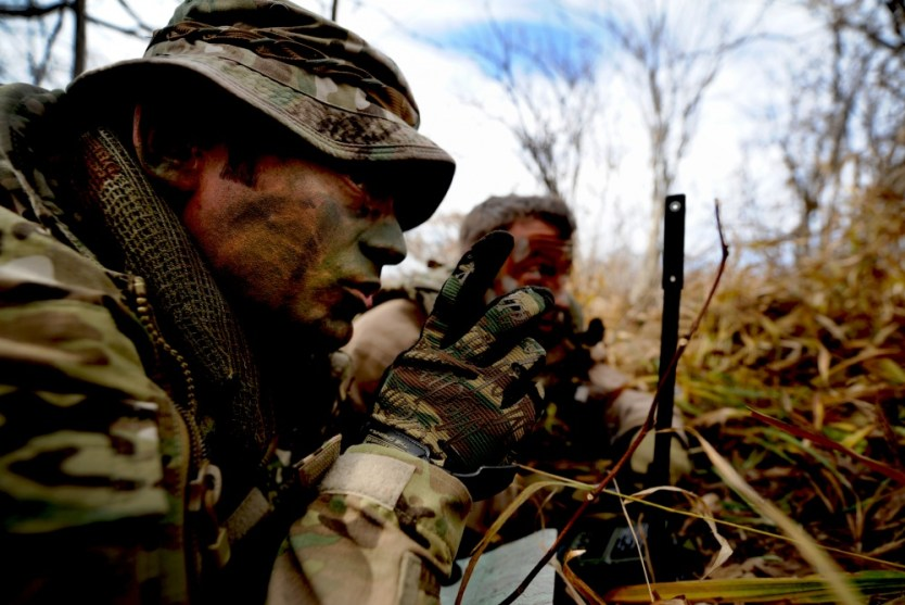 Loadout Room photo of the day | SERE specialist helps train during Pacific Thunder 2012