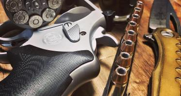 Photo of the day: Carry your revolver ammunition concealed and easily accessible