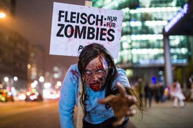 als-zombies-verkleidete-peta 2.jpg