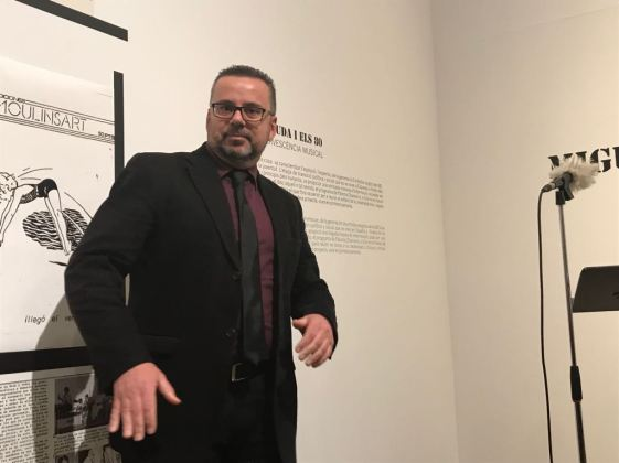 """Juan León en el encuentro literario """"La Movida y los 80"""". Foto: Carmen Dueñas"""