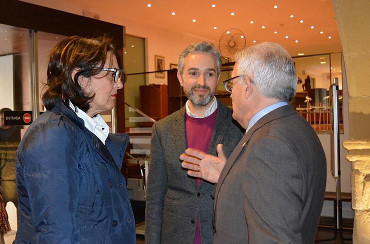 Gloria Vara, J. L. Pérez Pont y Cesar A. Asencio en la presentación del Programa 2018