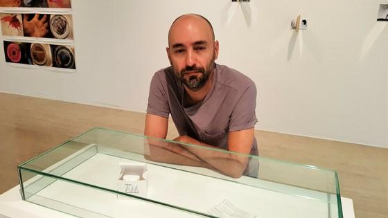 """La Crema AM Antimaltractament de Juan F. Navarro: """"És art polític, amb una peça que aspira a ser transformadora"""""""