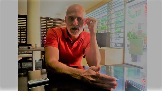 """Alejandro Palomas: """"tienes que ser consciente de tu talla como autor, dado que es muy difícil describir el material que compone el corazón"""""""