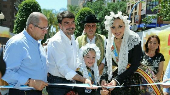 El Paseo de Soto abre sus puertas al tradicional mercadito de Fogueres
