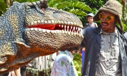 Terra Natura Benidorm torna al Juràsic amb l'arribada de dos dinosaures T-rex de dos metres d'altura