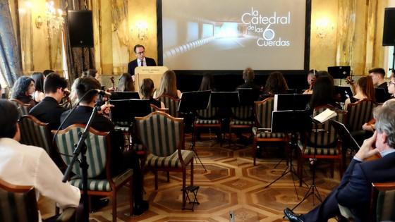 La Diputación de Alicante elabora el primer documental nacional que descubre la historia y evolución de la guitarra clásica española