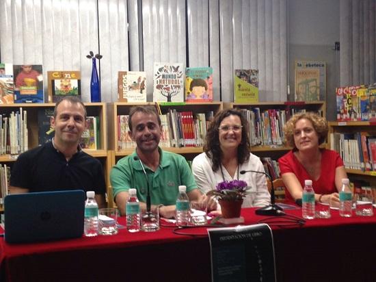 La col·lecció de relats TODO ERA JUNIO es va presentar en la Biblioteca Miguel Hernández de Villena