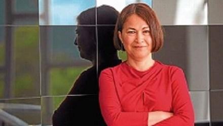 La escritora colombiana Consuelo Triviño presenta su última novela «Transterrados» en Torrevieja
