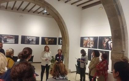 """Exposición en Elche: """"Del morado al negro: Violencia de género a través de la prensa gráfica alicantina 2004-2016"""""""