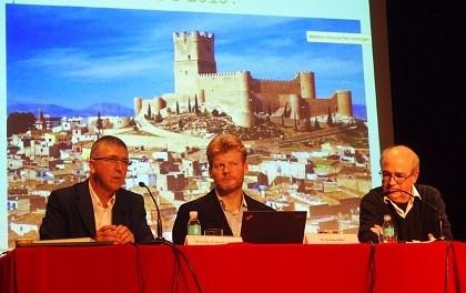 El impulsor mundial de la economía del bien común arrasa en su visita a Villena