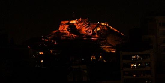 El Castell de Santa Bàrbara es convertirà en el referent d'Alacant en moments especials i commemoratius amb un sistema d'il·luminació que li permetrà canviar de color