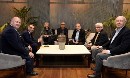 """José Manuel de la Huerga Rodríguez guanya el XXIII Premi de Novel·la Vargas Llosa per la seua obra """"Los ballenatos"""""""