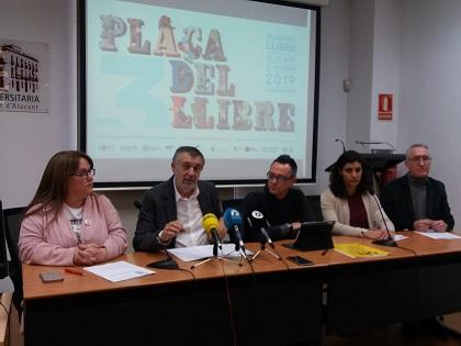 Alacant acollirà entre els dies 22 i 24 de febrer la seua tercera Plaça del Llibre a la Plaça del Port