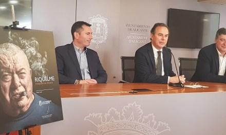 """El Ayuntamiento de Alicante inaugura una serie de biografías de personalidades alicantinas con el libro """"Riquelme: embajador de Alicante"""""""