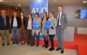 Grupo con representantes de entidades que colaboran en el certamen