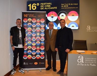 El Festival de Cinema d'Alacant ha presentat la imatge de la XVI edició del certamen amb un innovador cartell d'Antoni Pontí