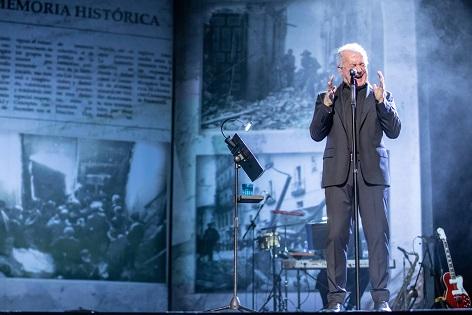 Víctor Manuel actúa en el Teatro Principal con motivo de los actos de Alicante 2019, Capital de la Memoria