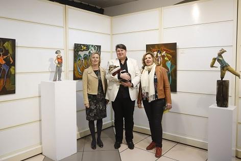 El artista británico Graham Maiden expone en la Casa de Cultura de l'Alfàs del Pi