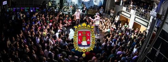 El Ayuntamiento y Aguas de Alicante invitan a los jóvenes a la 'Batalla de Gallos' esta Santa Faz 0,0 en la playa de Sant Joan organizada con los raperos MrBarceló, Adriacintojaja y Jonko