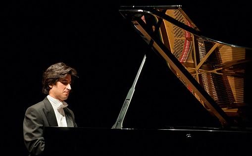 """""""Noche Española"""" el concierto del pianista Pablo Amorós, en el Chapí de Villena"""