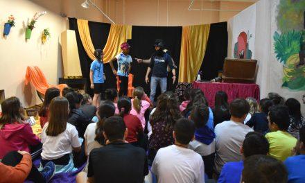 """Prop de 3.100 escolars de Petrer passaran pel taller de lectura """"Els nostres monstres"""""""
