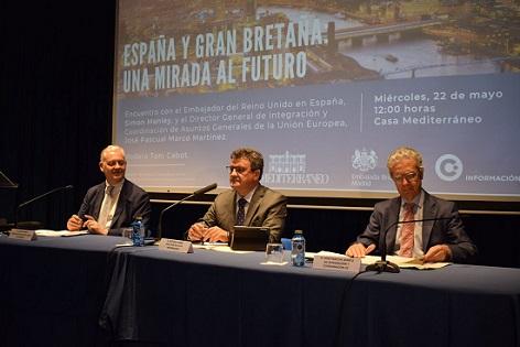 El futuro de las relaciones entre España y Reino Unido, a debate en Casa Mediterráneo
