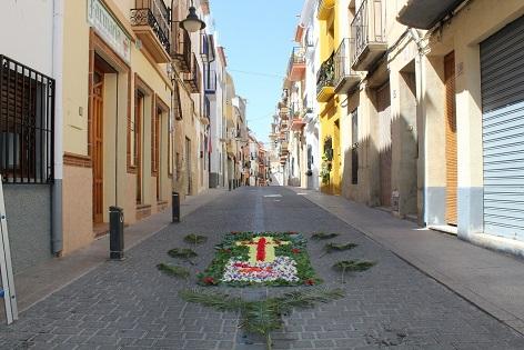 Las calles del casco histórico de Finestrat se llenarán este fin de semana de tapices florales con motivo del Corpus