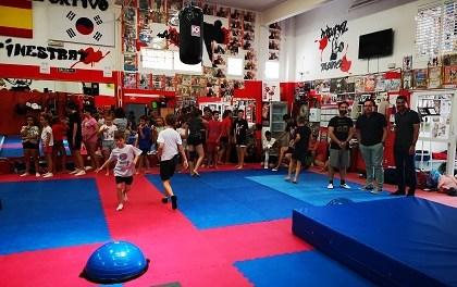 Comienza la escuela de verano y el campus de taekwondo en Finestrat con una amplia oferta lúdico deportiva