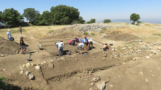 Concluye un ciclo de seis años de excavaciones arqueológicas en el asentamiento ibérico del Cabeçó de Mariola