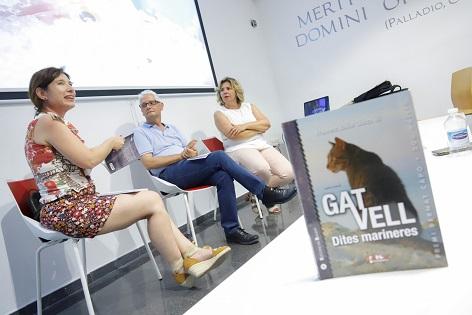 El Museu Vila Romana va acollir la presentació del llibre 'Gat Vell. Dites marineres' de Francesc Xavier Llorca Ibi