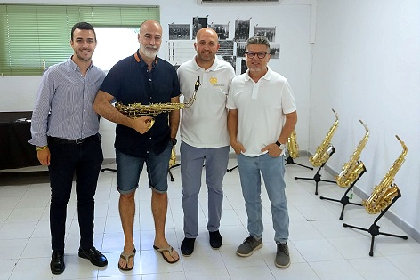 Exposiciones de trompetas y saxofones en el Conservatorio Municipal 'Josep Pérez Barceló' de Benidorm