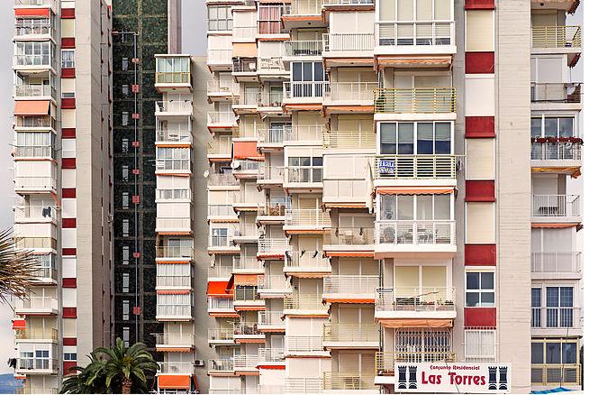Los Cursos de Verano de la Universidad de Alicante reflexionan sobre las formas arquitectónicas que ha implantado el turismo en la Costa Blanca