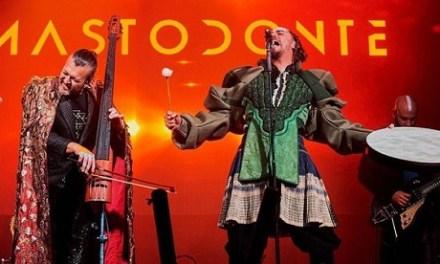 MASTODONTE de Asier Etxendía, abre la temporada de otoño 2019 en el Teatro Chapí de Villena