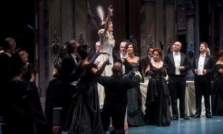 """""""La Traviata"""" de Verdi agota las localidades en el Chapí de Villena"""