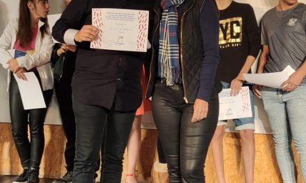 """La FAD y Diputación de Alicante premian a 16 jóvenes campelleros en el concurso """"corto&cambio"""" de prevención de conductas adictivas"""